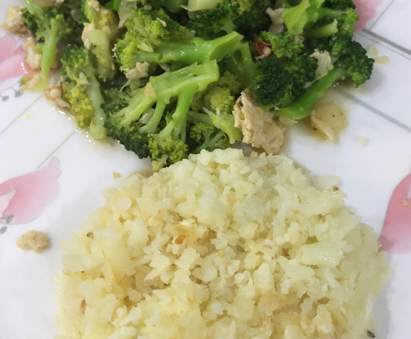 HOW TO MAKE CAULIFLOWER RICE WITH JUST TWO INGREDIENTS